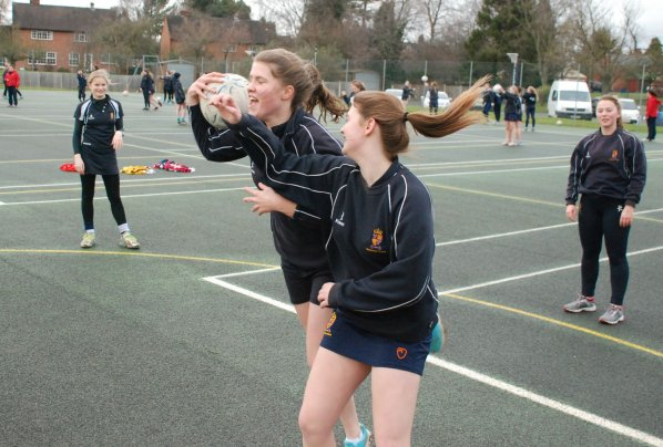 """32f4931e224a ... pros Veronica  I can throw the ball  Parr and Molly Stokes. """"Ronny and  Molly are both amazing players and just live and breathe netball but only  with an ..."""